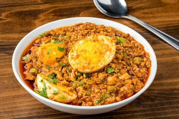 Chicken Keema Egg