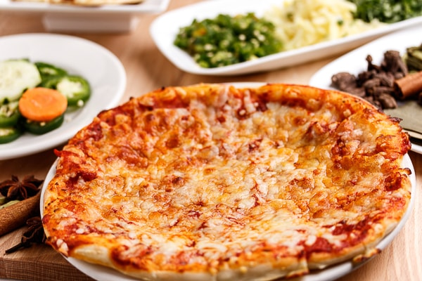 Cheesy Naan Pizza